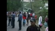 Bangladesh - Scontro tra bus per evitare capra, 20 morti