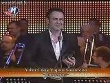 4 BARBAROS Yılın çıkış yapan sanatçısı 2011 TRT müzik ödül