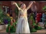 Karishma Kapoor, Saif Ali Khan, Salman Khan & Sonali Bendre in Maiya Yashoda - Hum Saath Saath Hain