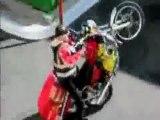 Moto roue arrière chute