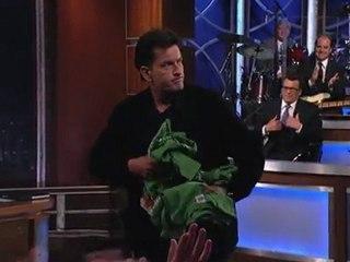 Charlie Sheen embrasse sur la bouche Jimmy Kimmer [Buzz US]