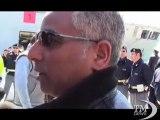 I primi migranti portati da Lampedusa in Sicilia dalla San Marco