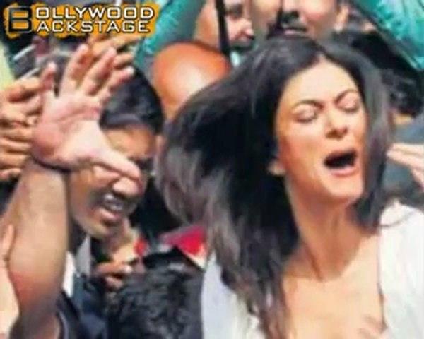 Sushmita Molested in Public !