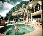 Très belle piscine utilisée pour les biere hahn ... sans oublier la créature de rêve ...