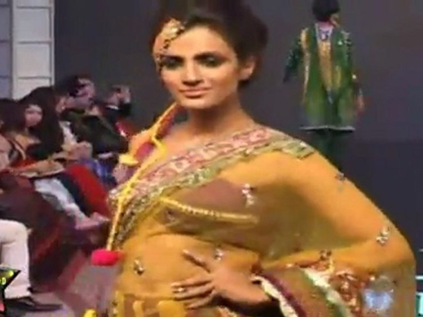 Sexy Models In Sexy Indian Outfits At  Cyclothon Fashion Week