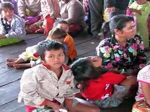 HAMAP soigne des villageois au Cambodge