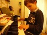 Paul-Lou 7 ans 10 mois joue Nostalgie