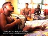 Découverte de l'accordéon malgache • Part. I • Bretelles du Monde
