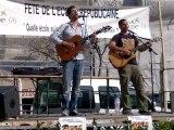 Les Cordes Rouges chantent Tryo pour la Fête de l'école Républicaine place Garibaldi à Nice le 09.04.2011