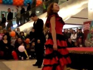 NİHAN BAYBURT VE ALİ CAN YÜCE  dans gösterisi