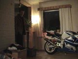 [Burn] GsxR burn dans le salon ! lol