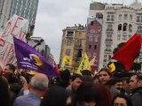 Grup Yorum konseri Taksim Meydanında 1 mayıs 2011 - concert de Grup Yorum pour le 1er mai à Taksim, Istanbul