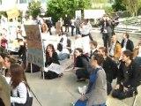 """Sit in pour Total et Areva - Manif """"anti Ecolo"""" à la Défense 5 mai 2011"""