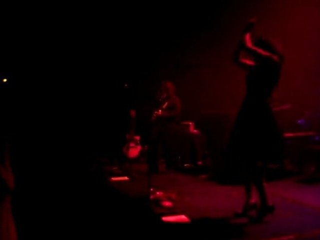 Ndidi O - Her house is empty - Live Café de la danse