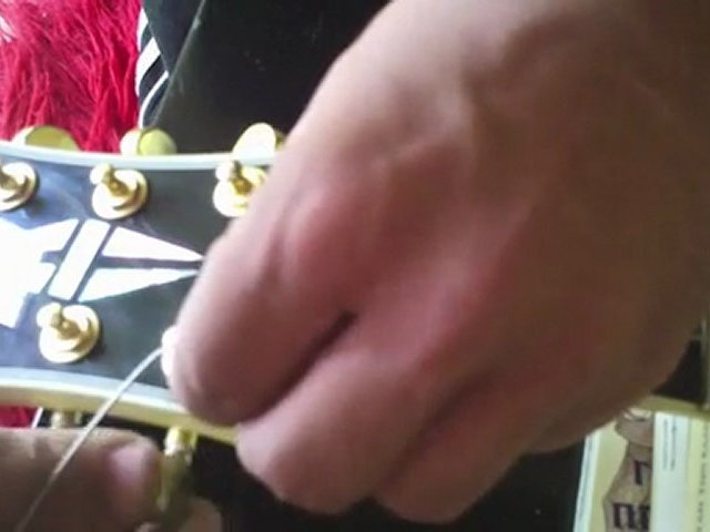 Guitar maintenance and changing strings Pt. 2