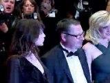 """Cannes: Lars von Trier sur les marches pour """"Melancholia"""""""