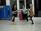 Blandine: pendant la répétition: son cours de Danse Africaine