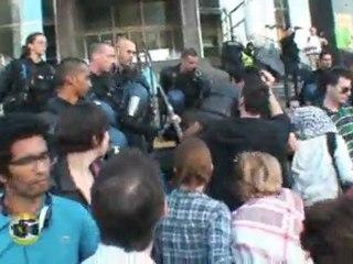 La police évacue les indignés de l'acampada de Paris (frenchrevolution) 29 mai 2011