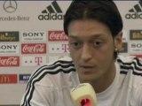 """Ozil: """"Grande stagione, voglio vincere ancora"""""""