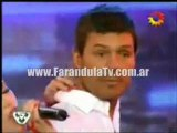 FarandulaTv.com.ar Coky Ramirez le canta a Marcelo Tinelli una canción romantica, en el ritmo Cha cha cha. Bailando 2011