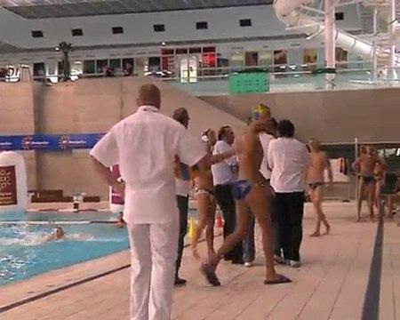 quand l'entraineur du Marseille Waterpolo pete un plomb