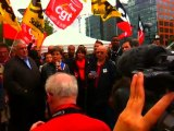 Pascale le Neouanic, secrétaire nationale du Parti de gauche, apporte son soutien aux 16 postiers de Nanterre
