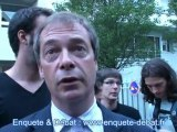 Nigel Farage et Pierre Yves Rougeyron en marge de la conférence à Paris le 20 juin 2011