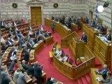Grèce : Papandréouresserre les rangs de sa majorité