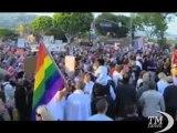 Obama sostiene le coppie omosessuali: meritano stessi diritti