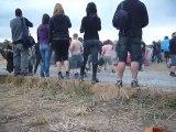 hellfest, pogo dans le camping