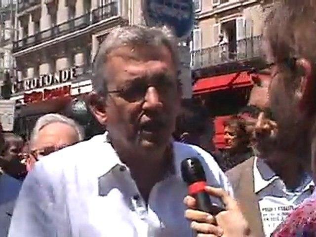 """Marche des fiertés 2011 : """"ÉGALITÉ : EN 2011, JE MARCHE  ET EN 2012, JE VOTE"""""""