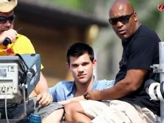 Taylor Lautner sin camiseta