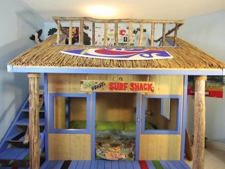 Ep19-Surfin B.U.N.K (kids room) COOLEST THING IN THE HOUSE