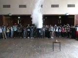 Explosion Azote liquide + 1500 balles de ping-pong