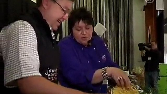 South Africa's Celebrity Chefs Cook in Honor of Mandela
