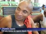 Liseuse pour rouleurs de cigares, une longue tradition à Cuba