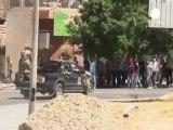 Kaddafi'den halkına direniş çağrısı