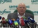 Gorbatchev dénonce un retour en arrière 20 ans après le putsch