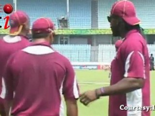 Sarwan MISSES EXPLOSIVE Chris Gayle against India