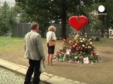 Un mois après, la Norvège se souvient avec solennité