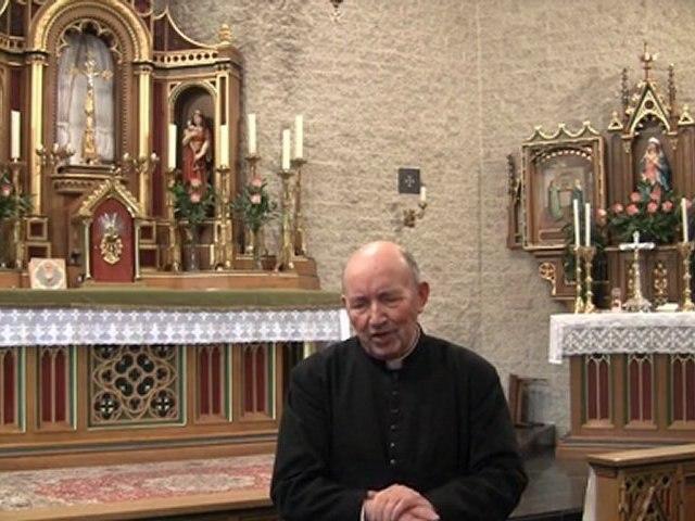 Mr le Curé Schoonbroodt fonde en 1977, le Carmel de Quiévrain, avec Mgr Lefebvre et sa sœur Carmelite