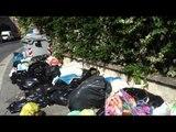 Aversa - Ancora cumuli di rifiuti differenziati sui marciapiedi