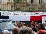 Des familles tchétchènes expulsées  de leurs hébergements par le prefet du Gard , campent devant la préfecture de Nîmes. RESF