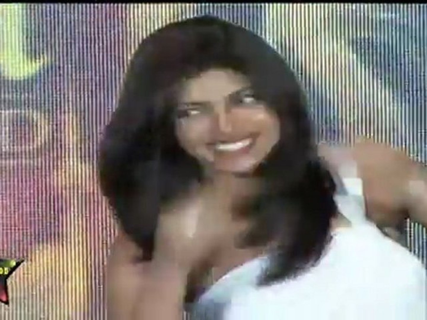 Hot & Sexy Priyanka Chopra In Sexy Off Shoulder White Dress At IIFA  2011