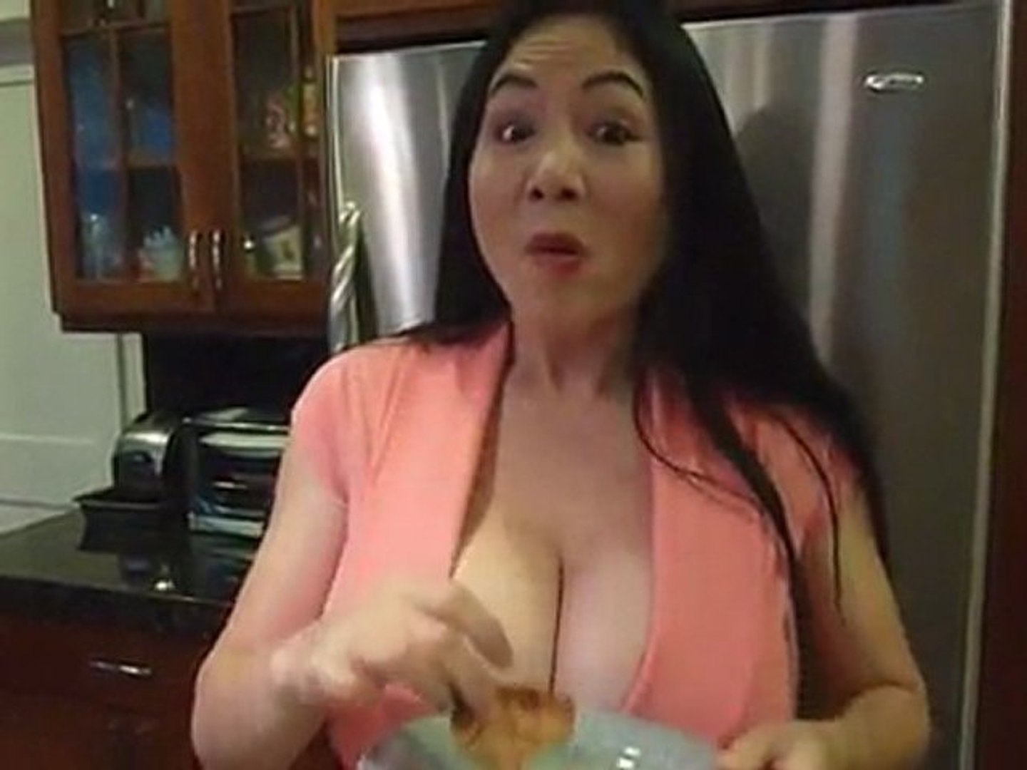 Rude Tube is HotForCooking and sexy chef Tifa!_(360p)