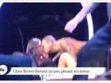 Zapping décalé : Chris Brown très entreprenant sur scène