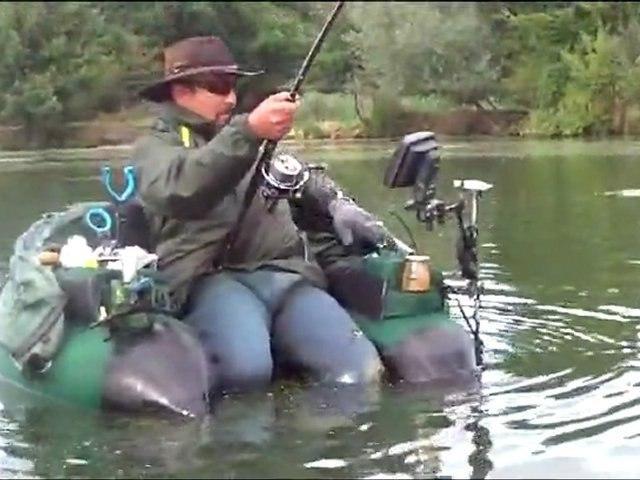 Silure de 2m10 pêché en float tube à Pont-à-Mousson par Salem et Fred