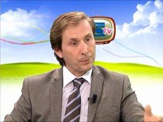 """Olivier BOUTY, Directeur des Ventes, présente l'offre promotionnelle """"1 ford K offerte"""""""