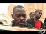 Libia, i ribelli dentro Sirte arrestano mercenari - VideoDoc. Gli insorti avanzano nella città ancora in mano a fedeli rais