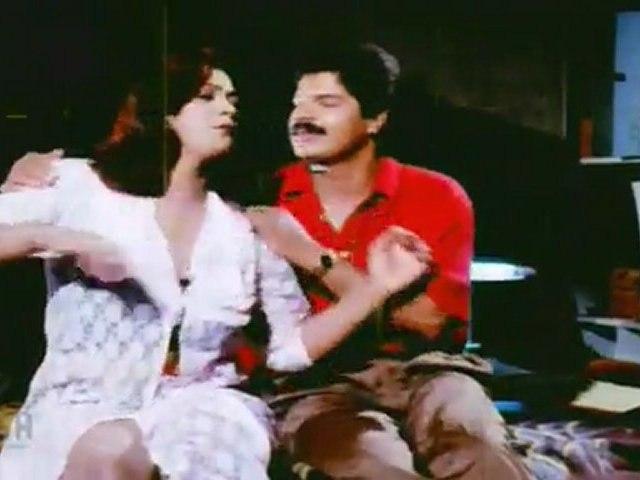 Paruvam - Shakeela Kiss Scene